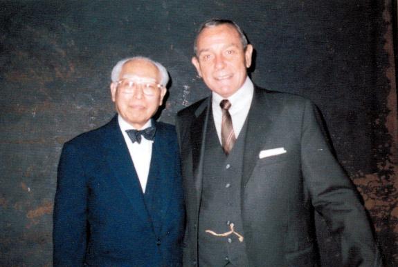 Prof_Wang_and_Robert_Ellsworth